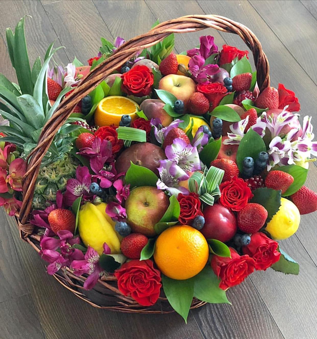 Харьков букет в корзине с фруктами, купить